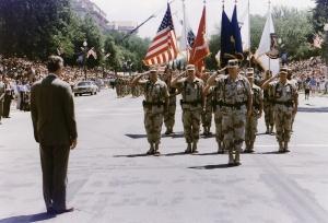 President_Bush_greets_General_H._Norman_Schwarzkopf_who_leads_the_Desert_Storm_Homecoming_Parade_in_Washington,_D.C_-_NARA_-_186434