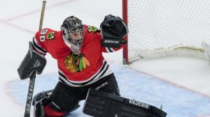 dm_180330_NHL_Blackhawks_Foster_is_an_accountant